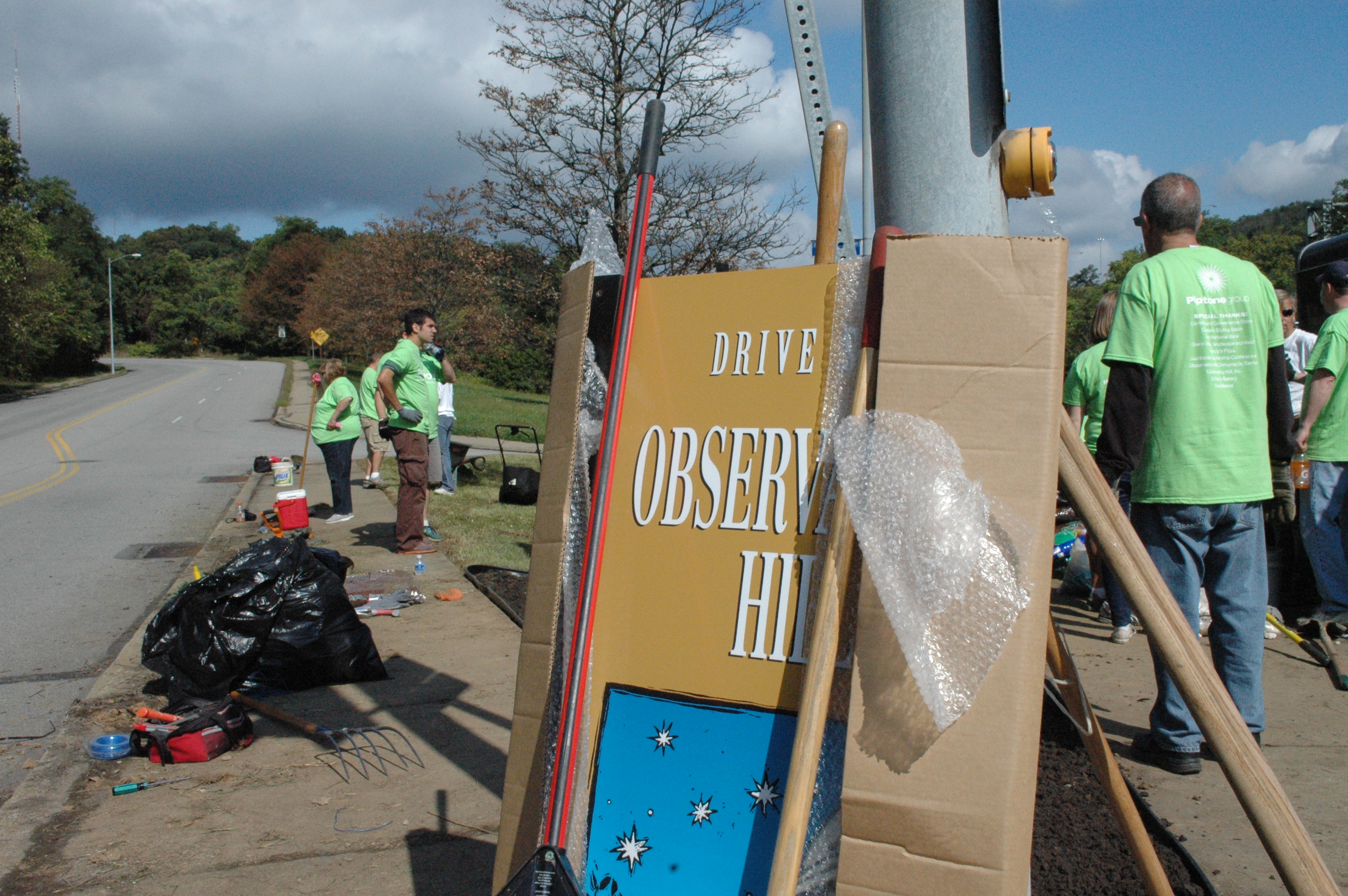 Observatory Hill business holds annual volunteer day, provides community face-lift
