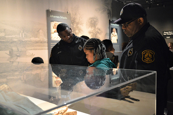 """Mummies """"bind"""" local officers and students together at Carnegie Science Center"""